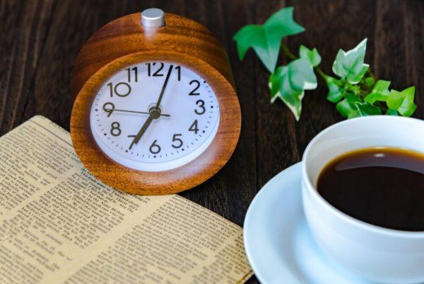 コ-ヒと目覚まし時計