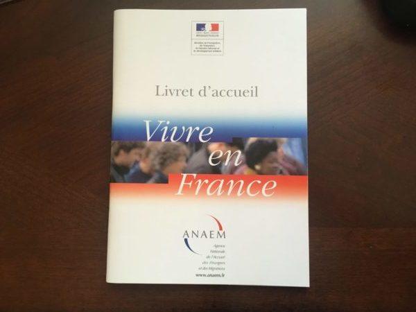 フランス移民局の市民講座のテキスト