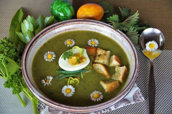 ネトルのグリーンスープ